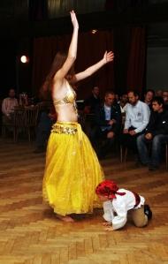 Tanečnice a malá tanečnice.