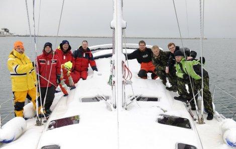 Posádka na zasněžené lodi (J. Novák)