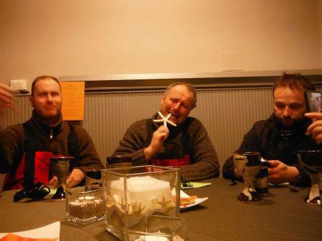 Večeře v restauraci byla velmi dobrá a myslím, že to byla důstojná tečka za naší plavbou.