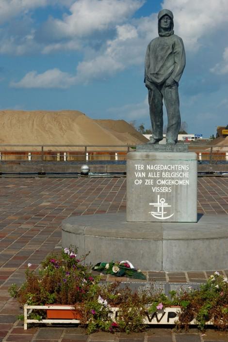 Památník rybářům, co se nevrátili. Poslední jméno bylo z roku 2009.