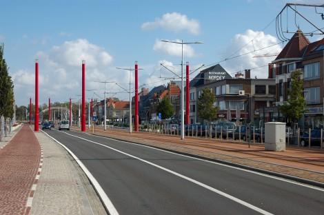 Z Ostende jezdí do Nieuwpoortu tramvaj.